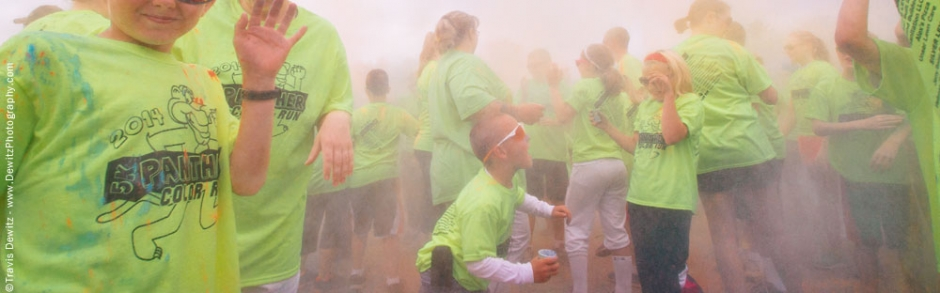 panther_color_run_powder_toss_start_of_race