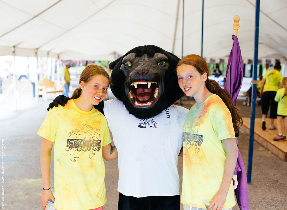 panther_color_run_twin_sisters_with_mascot