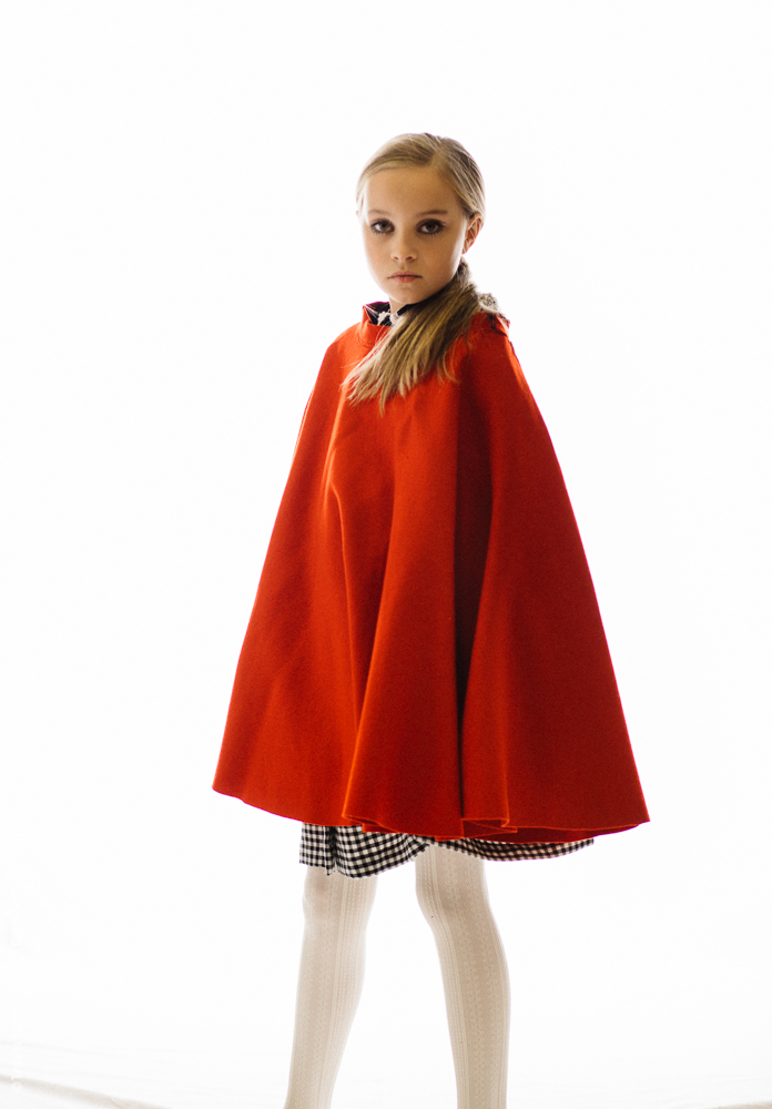 teslyn_twiggy_red_vintage_cape