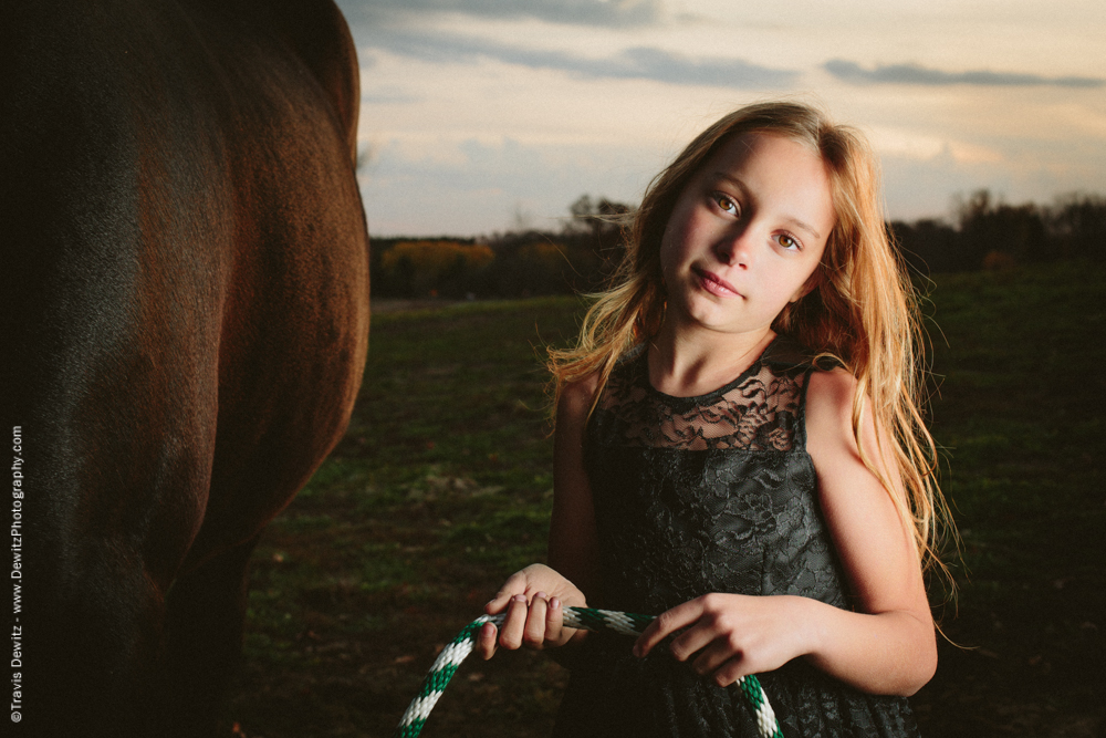 Teslyn - Holding Horse