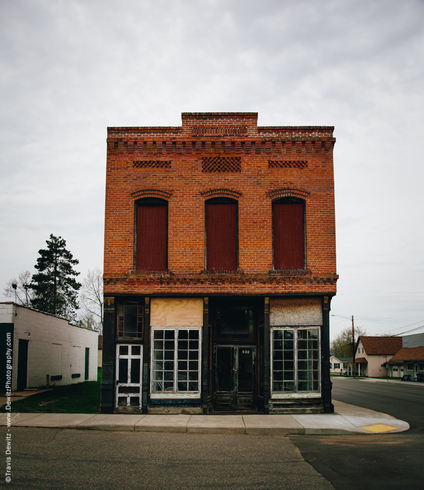 The old California Wine and Liquor Store was built in 1896 and is on the List of Registered Historic Places. It was also known as the Craftsmans Guild Emporium.