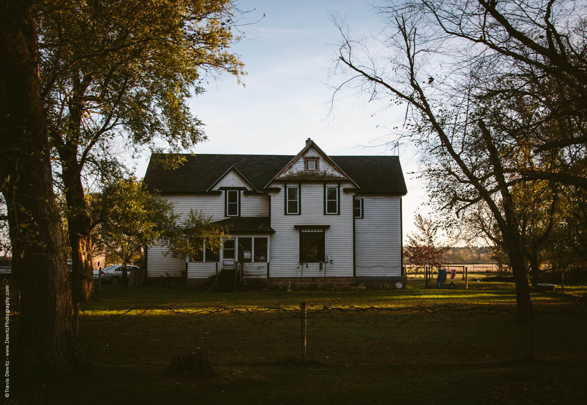 caryville-wi-large-beautiful-farm-house