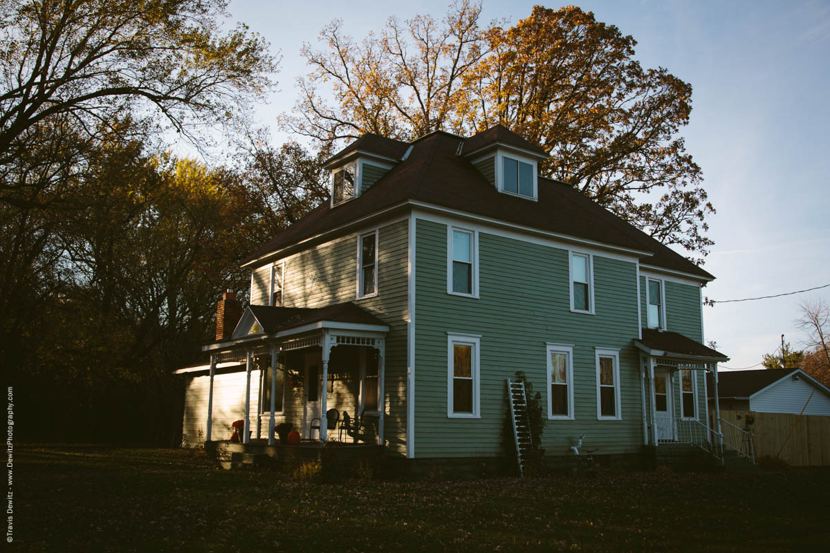 caryville-wi-large-vintage-house