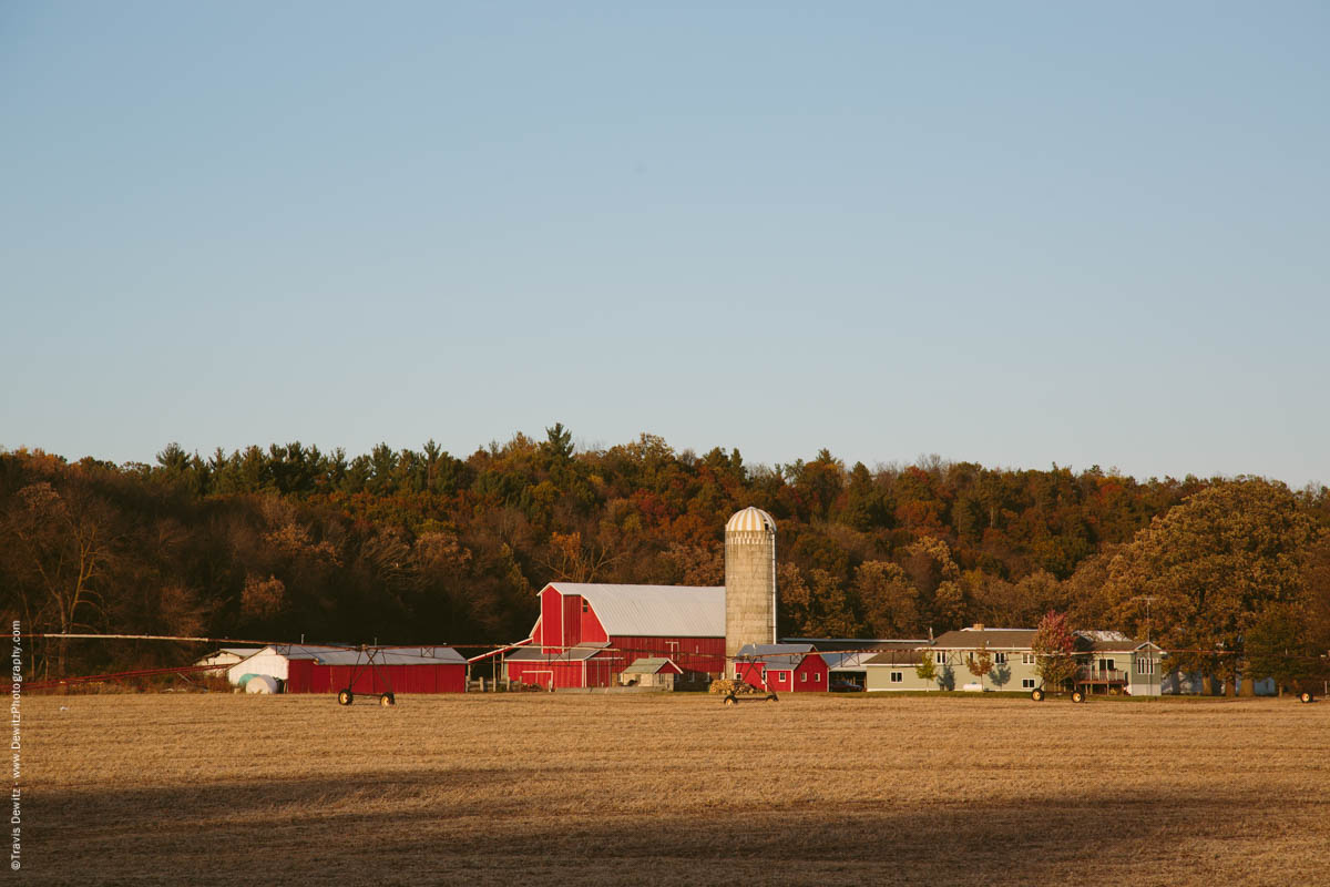 caryville-wisconsin-farm-red-barn-fall-colors