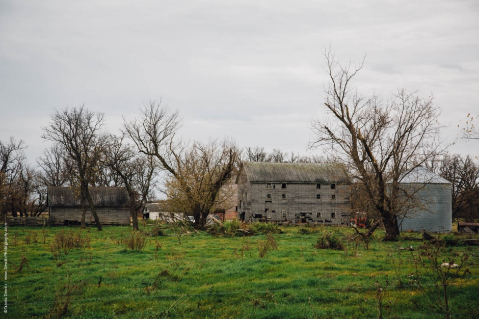 old-abandoned-farmstead-falls-city-wi-historic-city