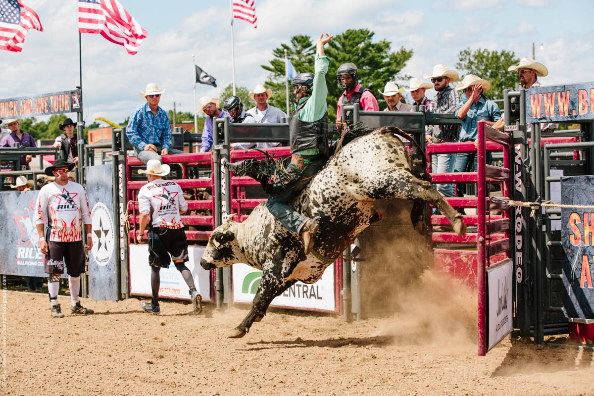 Kicking Bull Out of Gate-2834