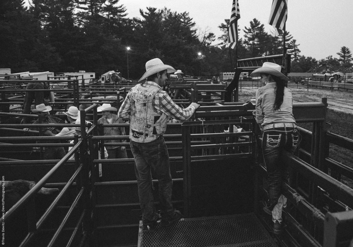 cowboy-cowgirl-talk-before-rodeo-event-rice-bull-riding-4596