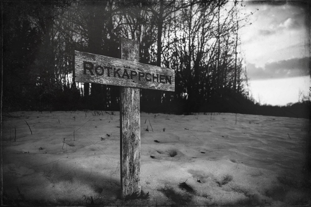 Red Riding Hoods Grave Marker Cross Reads Rotkappchen