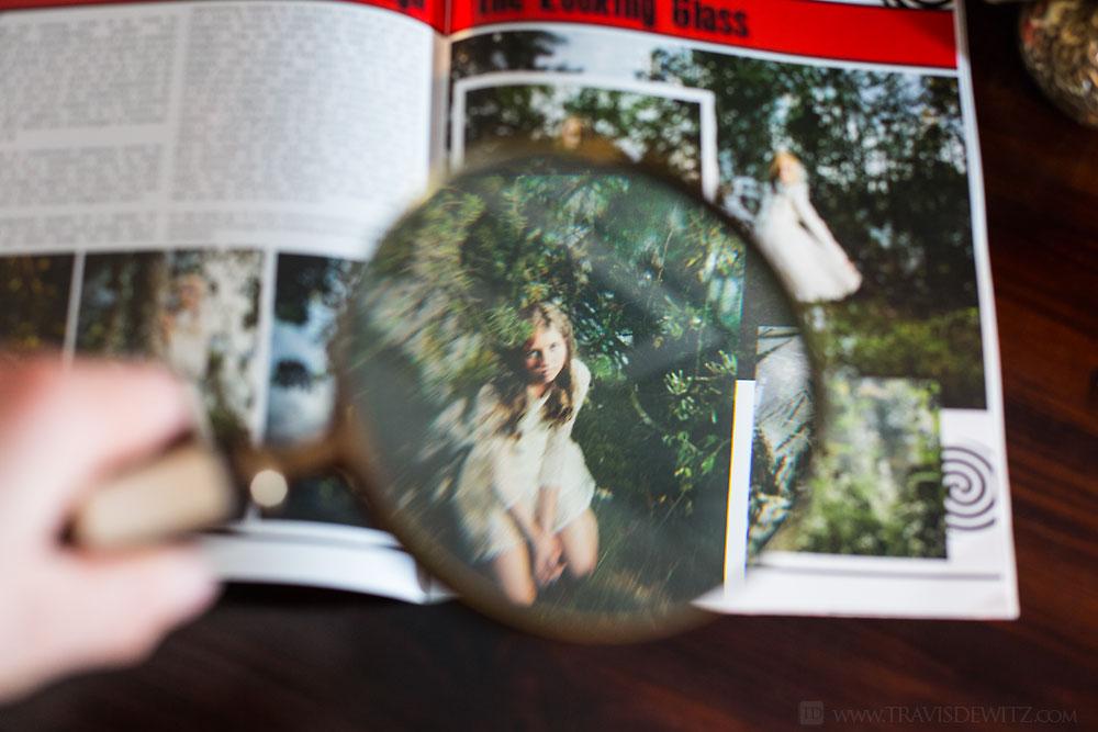 alice_in_wonderland_magnifying_glass_web