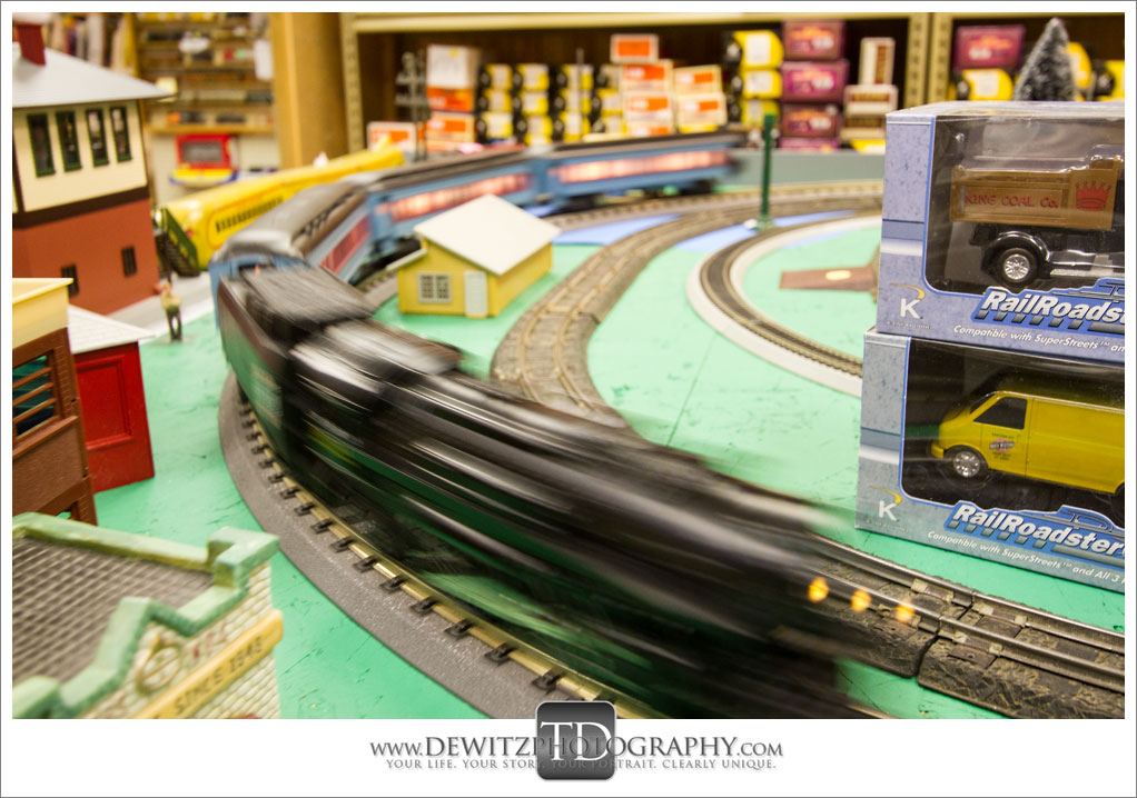 Model Train Classics Eau Claire Running Toy Trains