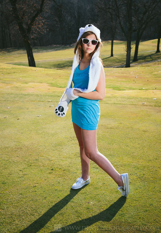 alexa_model_pose_bear_hat_golf_course