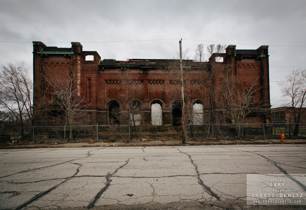 gary_in_abandoned_brick_public_school_building_6233_web