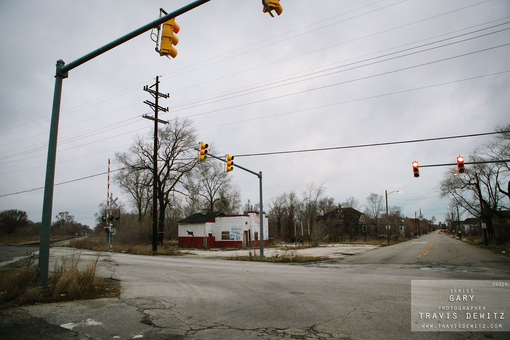 gary_in_abandoned_intersection_sims_tires_6014_web