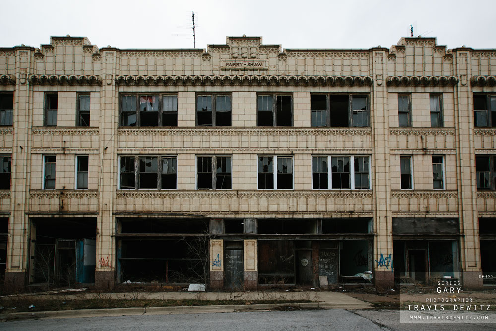 gary_in_abandoned_parry_shaw_building_6322_web