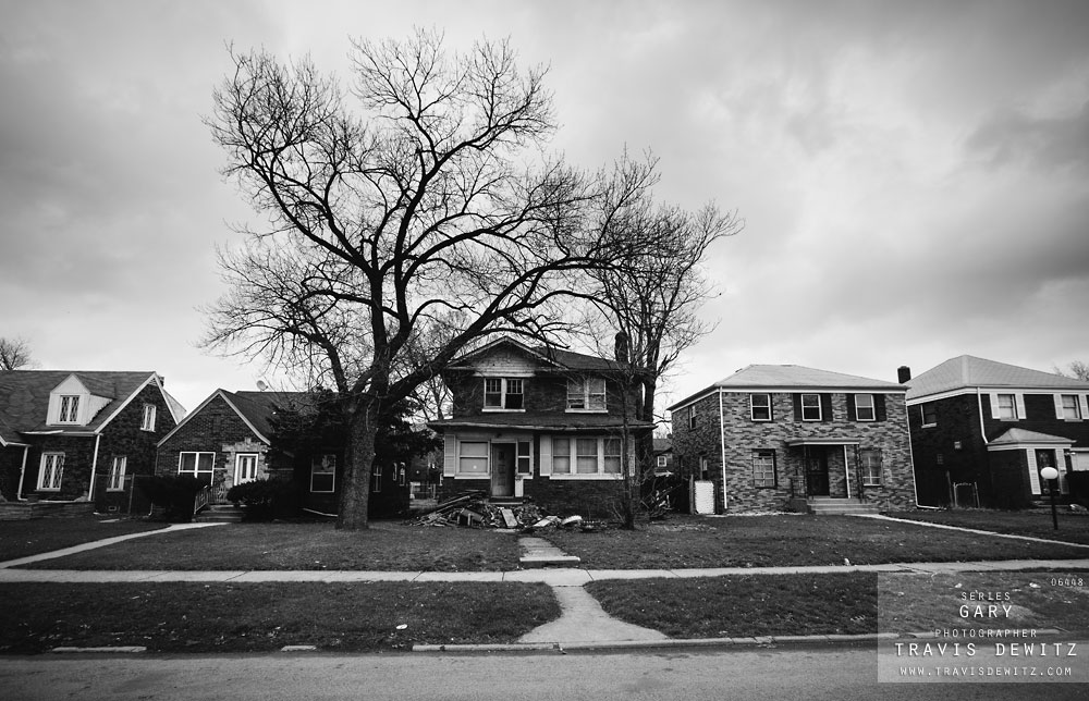 gary_in_decrepit_house_surrounded_by_nice_homes_6448_web