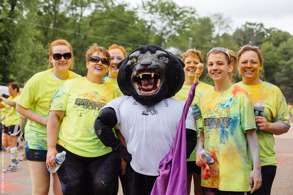 panther_color_run_group_with_panther_mascot