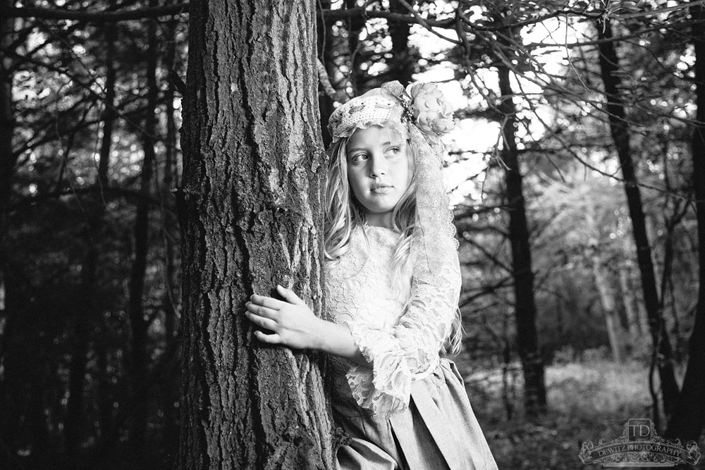 madalina_against_tree_black_and_white_web