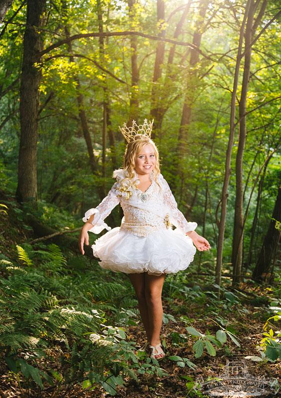 madalina_beauty_queen_woods_web