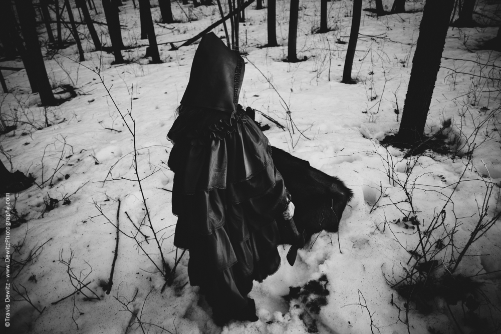 Red Riding Hood Kills Wolf