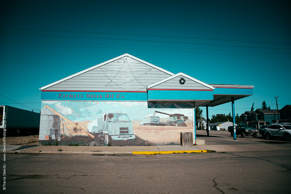Farm Mural on Side of Farmer Union Oil Co - Tioga, ND