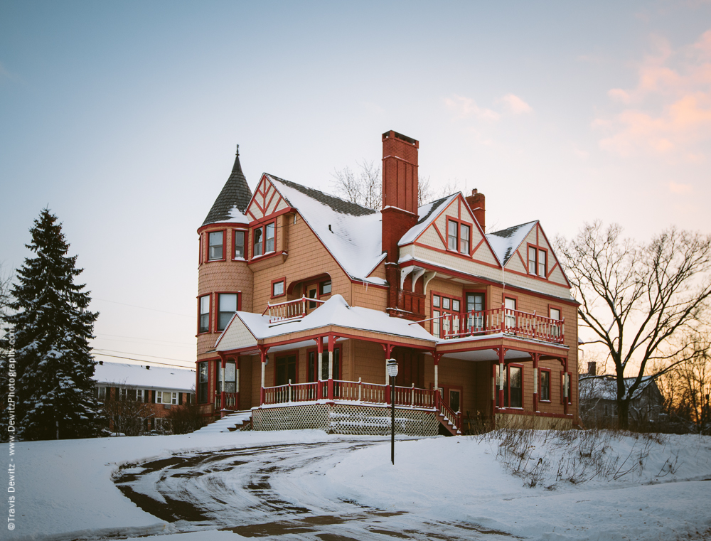 Chippewa Falls- Large Mansion