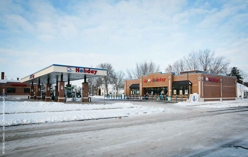 Chippewa Falls- New Holiday Gas Station