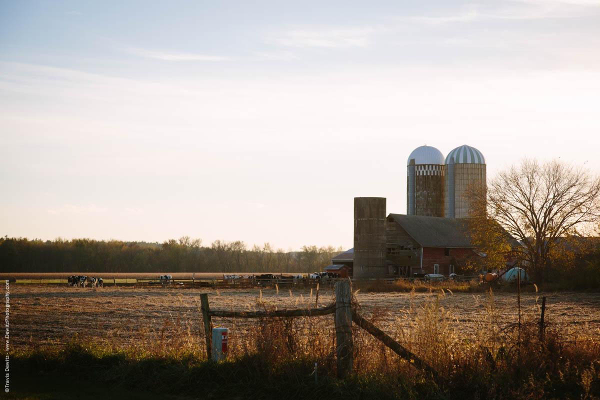 caryville-wi-autumn-farm-scene