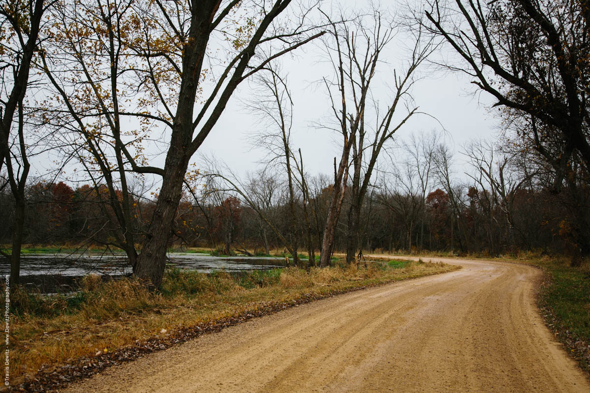 dirt-road-into-chippewa-river-bottoms-meridean-wi-historic-city-