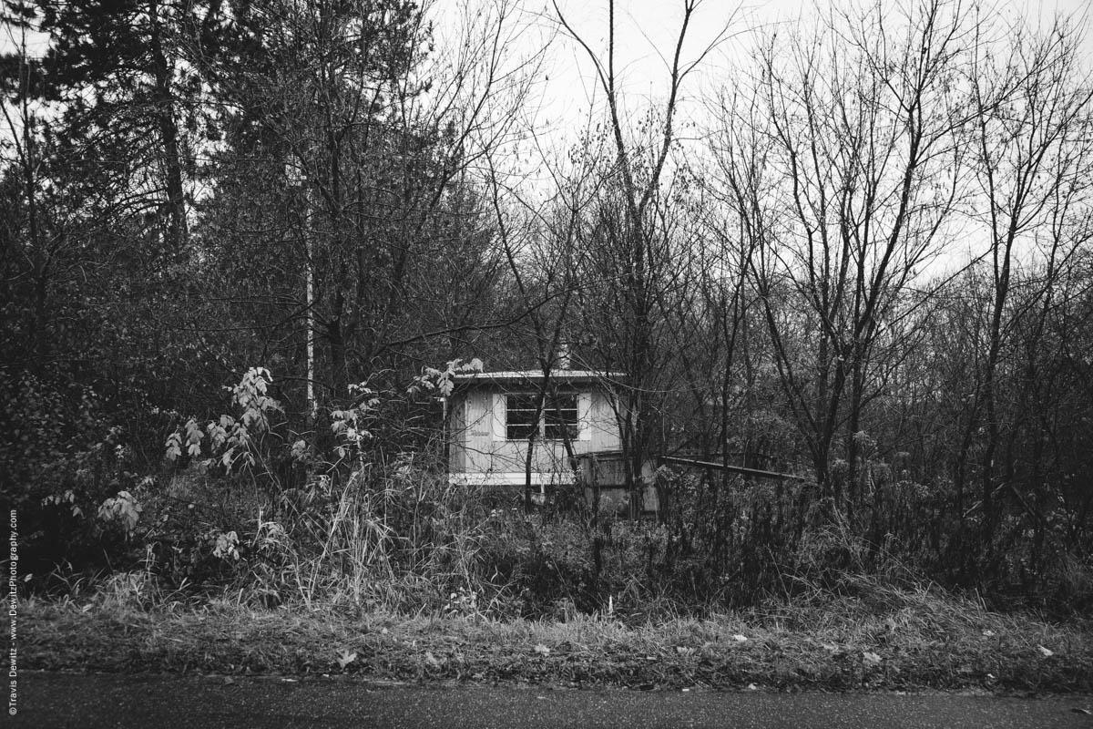 abandoned-trailer-house-elk-lake-wi-historic-city