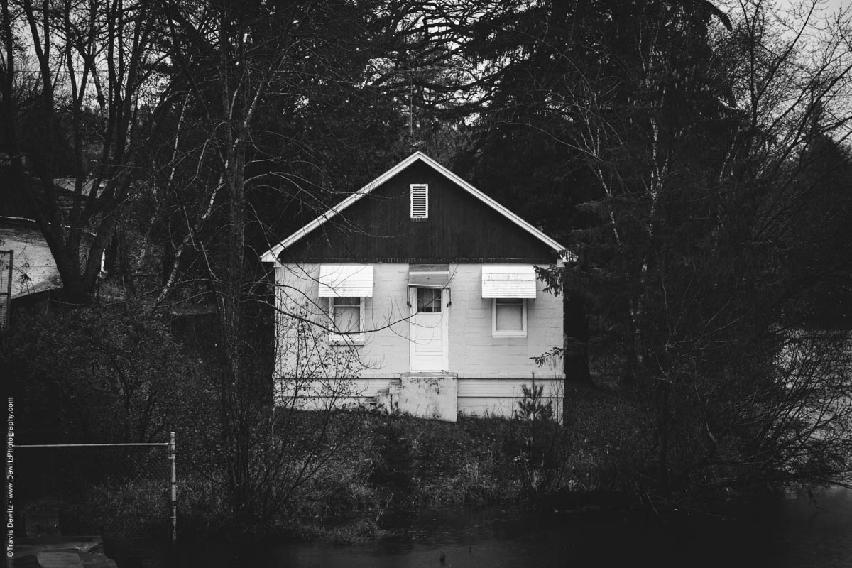 cabin-on-elk-creek-lake-elk-lake-wi-historic-city