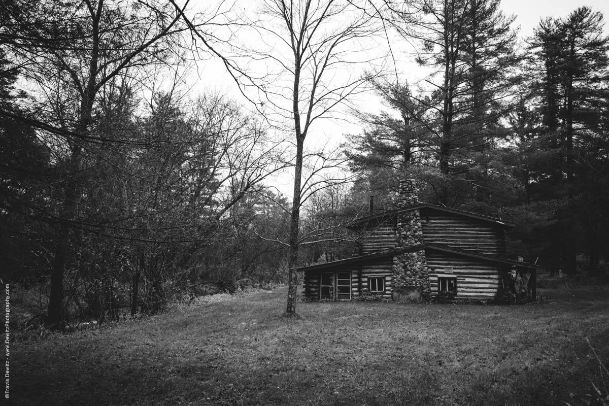 log-cabin-on-the-creek-elk-lake-wi-historic-city