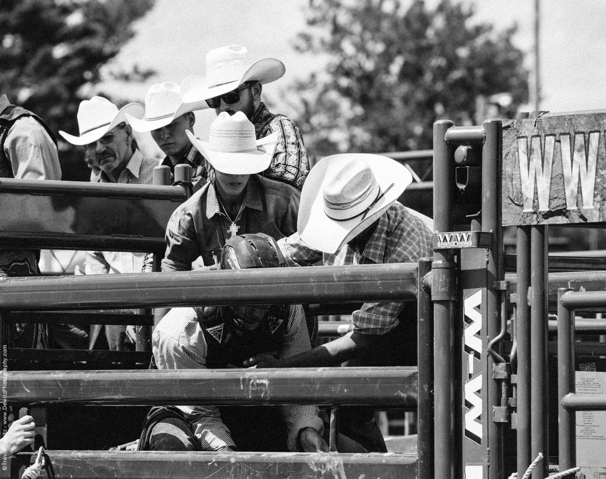 Cowboy and Cowgirl Get Bull Rider Ready-2832