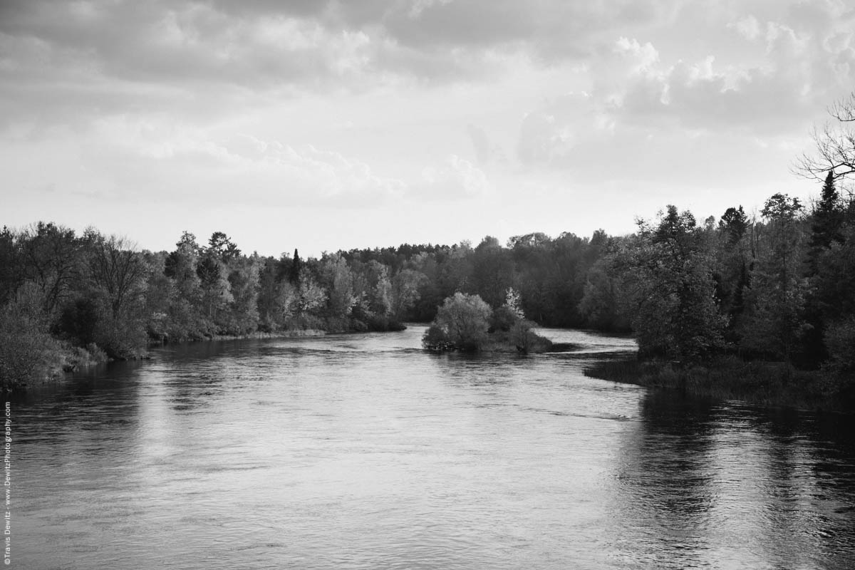 No. 8967 - Chippewa River - Winter, Wis.