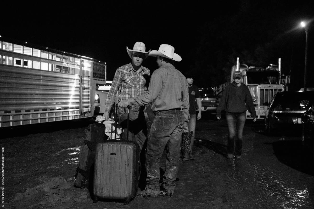 bull-riders-pack-bags-mud-5743