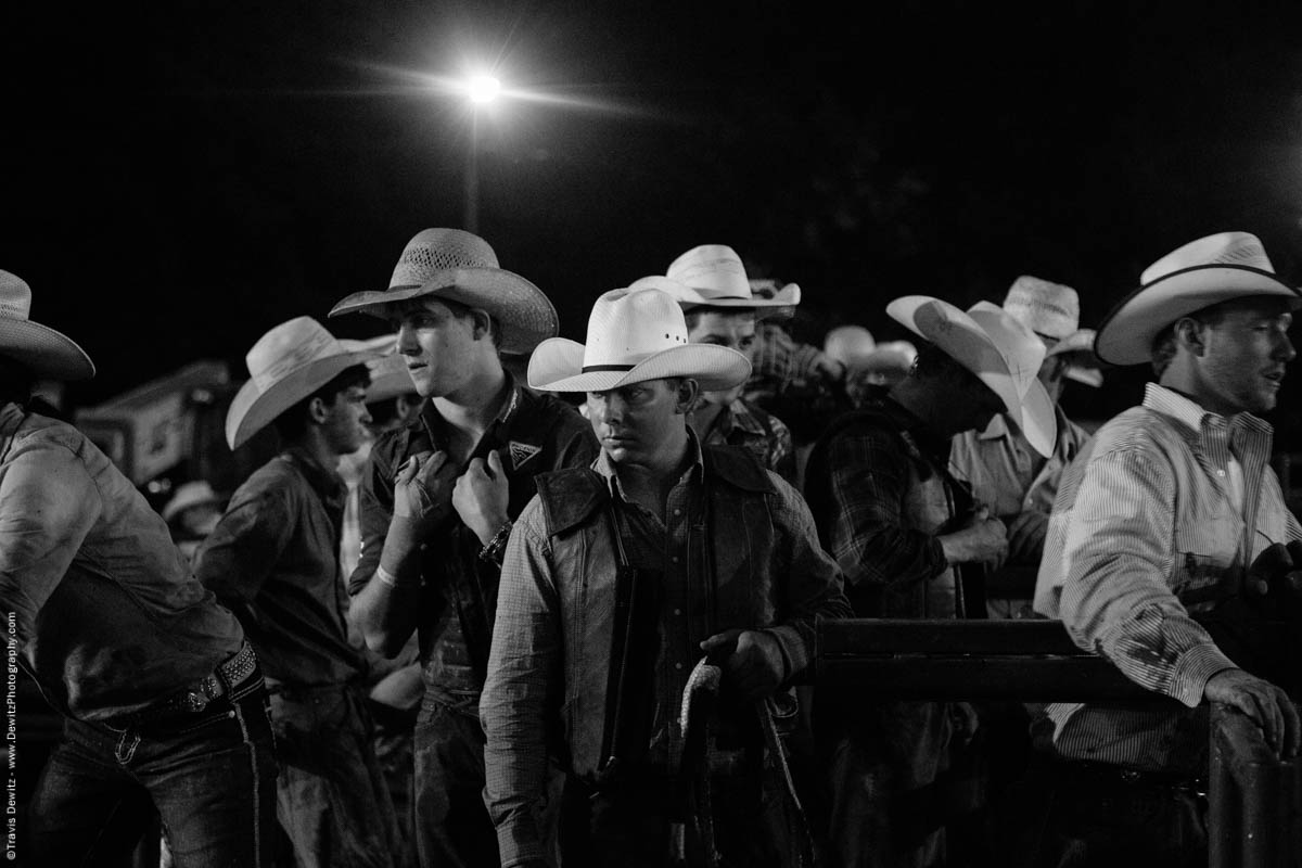 bunch-of-bull-riders-ready-to-ride-5182