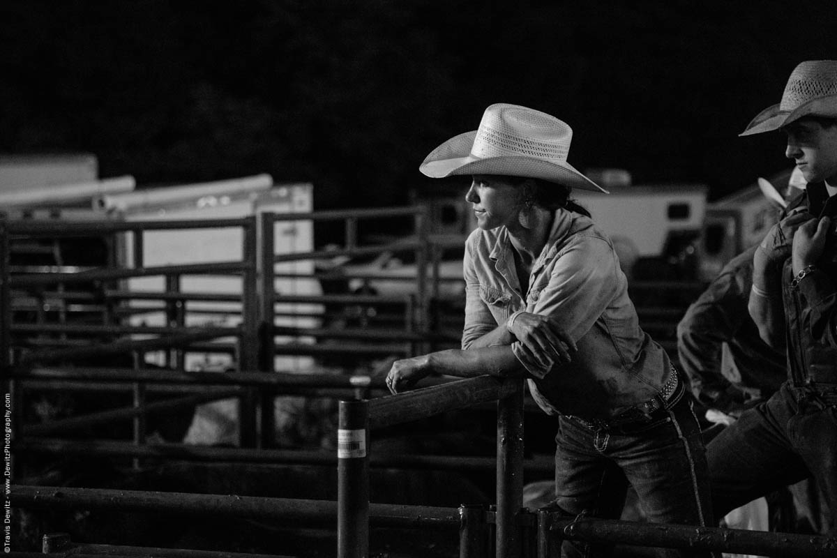 cowgirl-in-rodeo-pens-5186