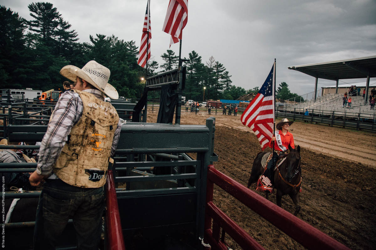 rice-bull-riding-american-flag-queen-carries-horse-4626