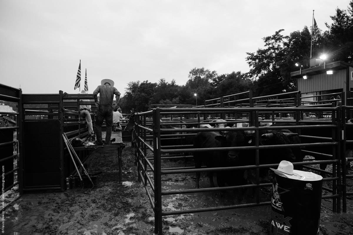 rice-bull-riding-behind-the-chutes-cowboy-4505