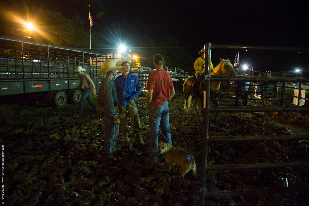 rodeo-fans-and-dog-in-mud-5494